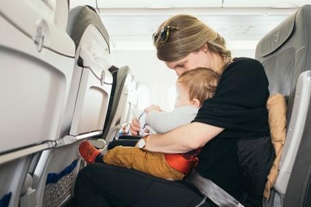 kinderwagen vliegtuig